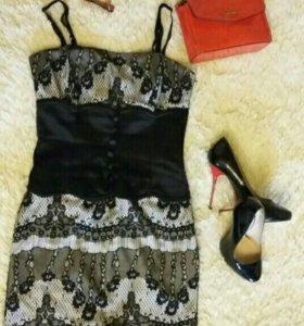 Платье с имитацией корсета 42р