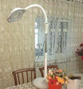 лампа  лупа для косметологии.новая