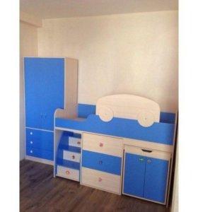 Кровать-чердак, шкаф и матрас