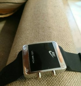Часы Nike новые (не одевались)