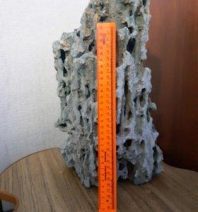 Натуральный песчаный камень в аквариум.