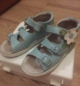 Детские сандалии фирмы «Антилопа». 27 размер.