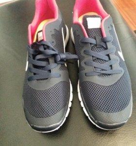 Новые мужские кроссовки. Размер 44