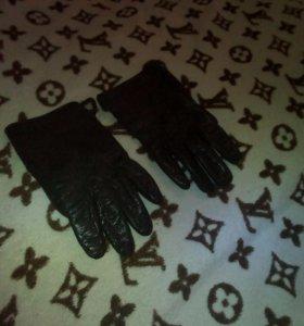 Перчатки кожаные-женские, новые