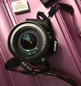 Зеркальный фотоаппарат Canon EOS 650D