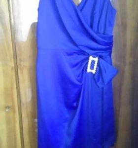 Платье атласное, размер 48