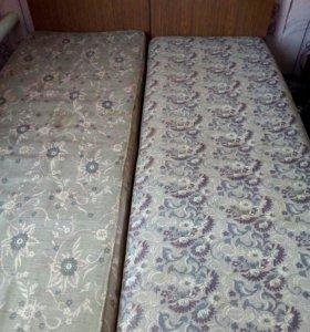 Кровать 1,5 спалка. 2 штуки.Б/У в хорошем состояни
