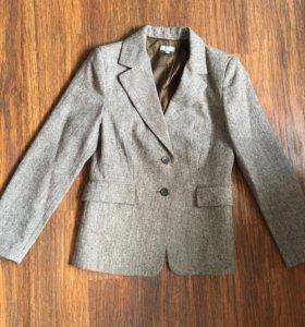 Пиджак в отличном состоянии р.46