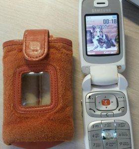 Телефон Samsung E530