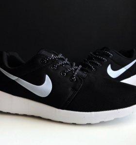 Кроссовки Nike Roshe Run White