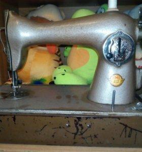 Швейная машинка Подольского механического завода
