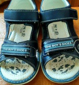 Летняя обувь на мальчика