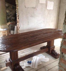 Стол из массива древесины