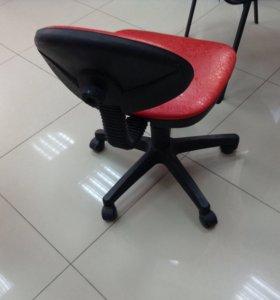 Маникюрный стул