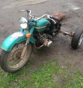 Трицикл Урал