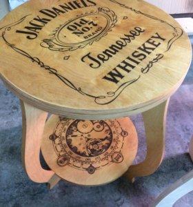 Дизайнерский столик с вашем логотипом