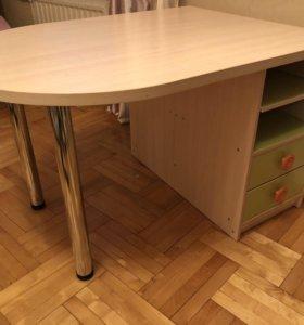 Двухсторонний стол для двоих детей