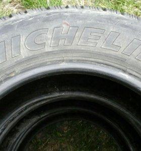Продам шины MICHELIN 205/65 R15