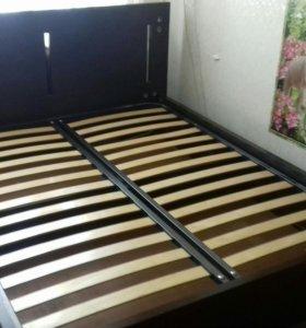 кровать двух спальная