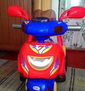 Детский электромобиль( электромотоцикл)