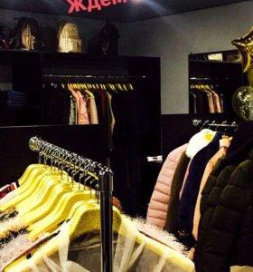 Шоу-рум магазин женской одежды