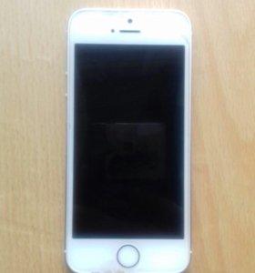 iPhone 5 se на 32 gd + чехол зарядка