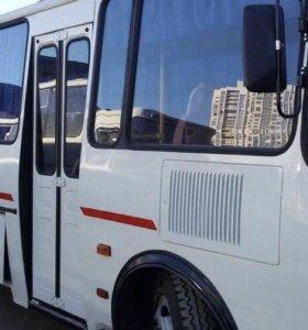 Водитель на автобус