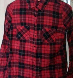 Красная клетчатая рубашка