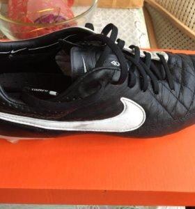 Бутсы Nike Tiempo профи 42 размер