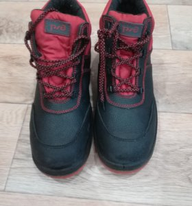 Новые. Ботинки рабочие
