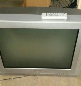 Телевизор Самсунг диагональ 65 см.
