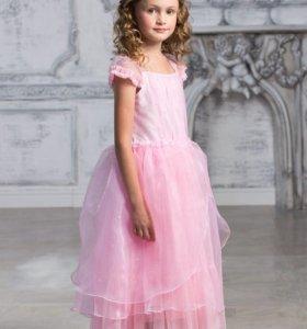 Платье детское новое праздничное