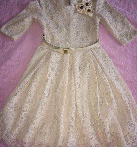 Платье ажурное 42р