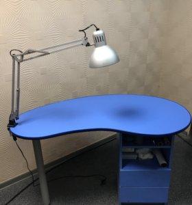 Маникюрный столик