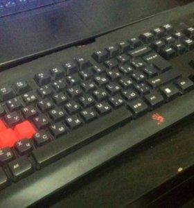 Игровая механическая клавиатура Bloody Q100