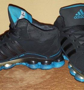 Кроссовки adidas, зима.