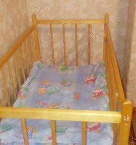 Детская кроватку
