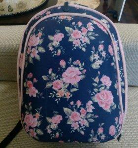 Школьный рюкзак, портфель