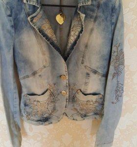 Пиджак джинсовый, новый с этикеткой.