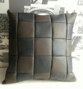 Подушка из кожзама, 45х45