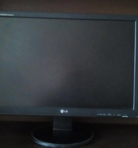 LCD Монитор LG