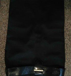 Атласная чёрная юбка