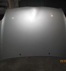 Капот на Corolla 121