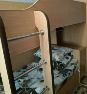 Двухъярусная кровать, без матрасов