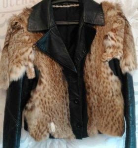 Стильная куртка натуральный мех и кожа.