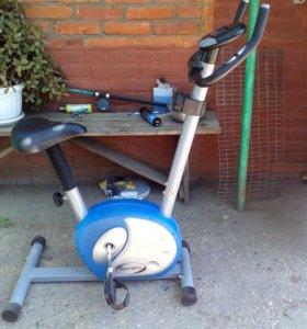 Магнитный велотренажер SE200