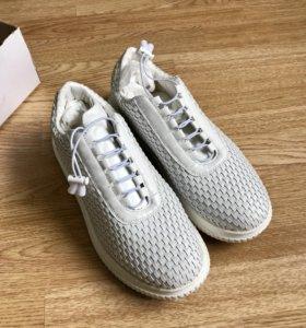 Белые кроссовки новые мужские 43 размер
