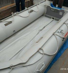 Лодка Tadpole