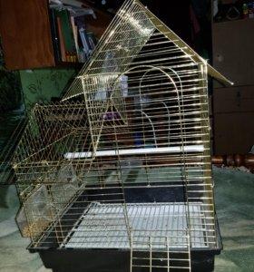 Клетка для птиц. Почти новая. Золотая. 26/33 см
