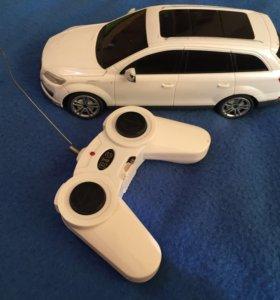 Машина на пульте управления малая